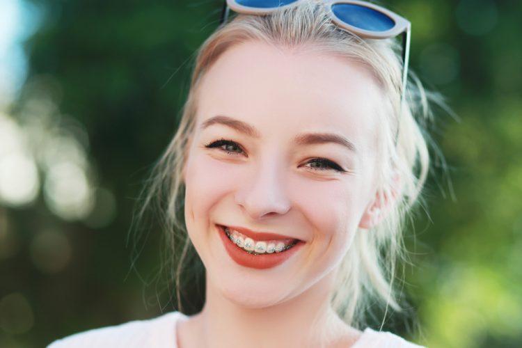 Apparecchi trasparenti denti asisa care